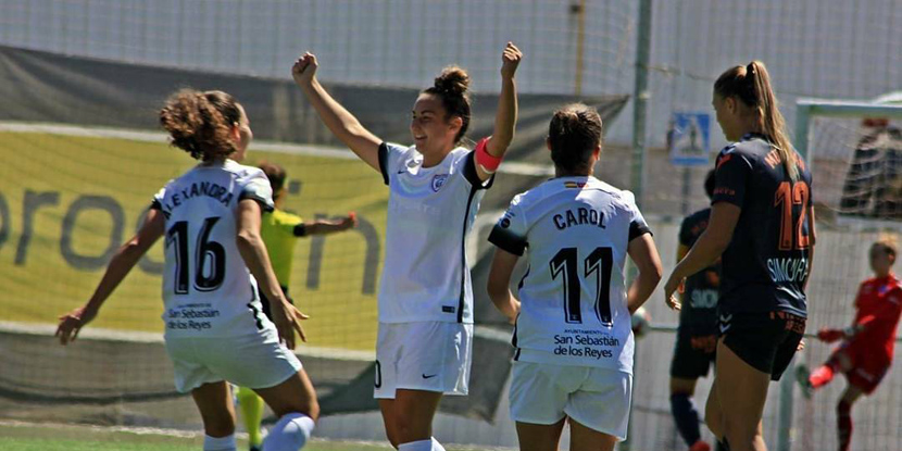La capitana del Madrid CFF celebra un gol con sus compañeras. Fuente: AD