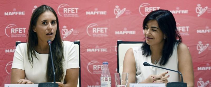 María José Rienda, escuchando la intervención de Anabel Medina