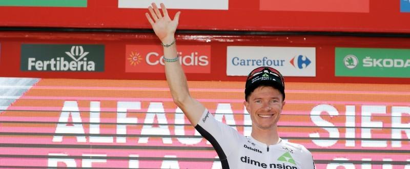 Ben King celebra su victoria en la cuarta etapa de La Vuelta '18 (© Photogomez Sport)