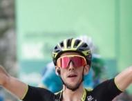 Yates se impone en Les Praeres y recupera el maillot rojo