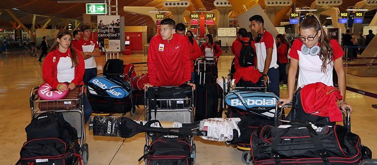 La delegación española a punto de partir hacia Buenos Aires.