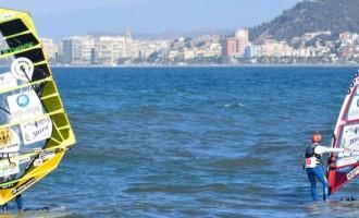 El malagueño Ángel Medina logra el 'Reto Windsurfing: Dos continentes'