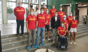 7 deportistas y 3 guías componen el equipo español de triatlón para los JJPP