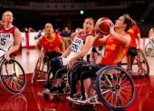 España debuta con derrota ante la todopoderosa EEUU