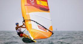Manchón y Granda se defienden en condiciones difíciles de viento