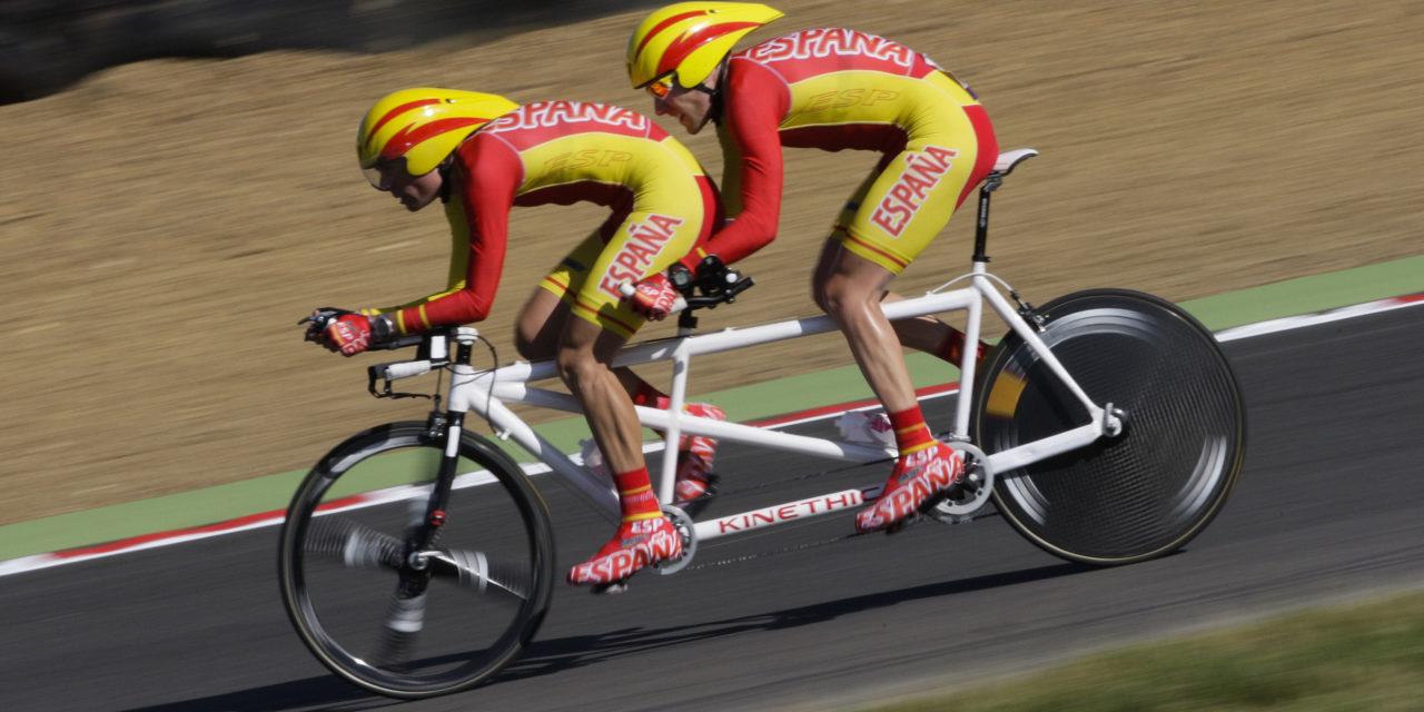 Christian Venge y David Llaurado en la prueba de contrarreloj en carretera.